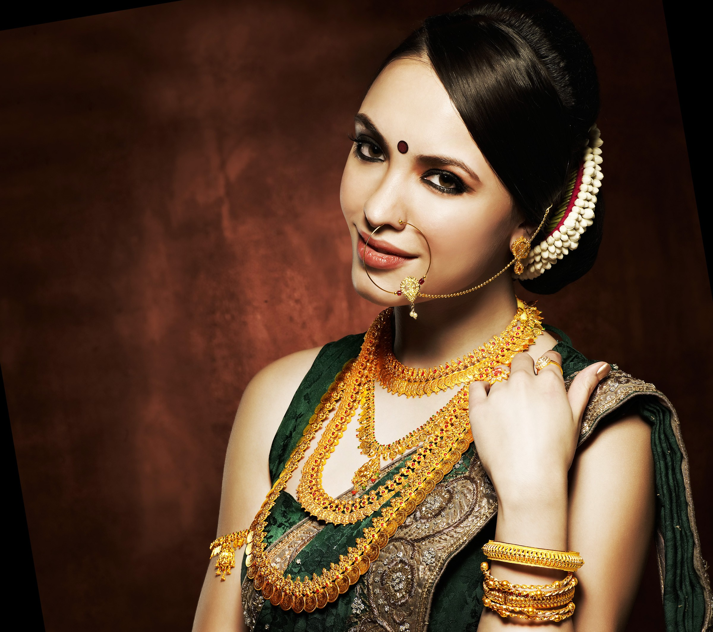 GORGIOUS FESTIVE JEWELLERY
